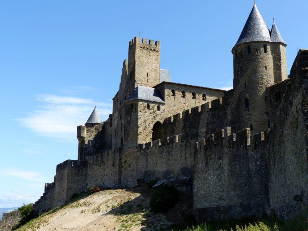 Castillo Medieval - Fortalezas utilizadas como refugio y protección para la nobleza
